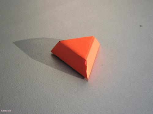 Ecrin triangulaire pliage  Cartonnage, papeterie, scrapbooking