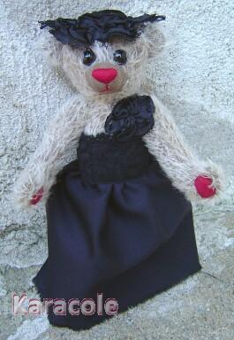 Séraphine ours, mohair, suédine, laine-mouton, kapok, articulations, étoffes ours-de-collection Couture & Art du fil