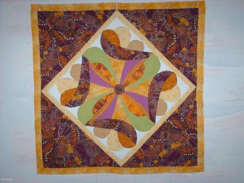 patchwork en courbes tableau patchwork couture art du fil karacole loisirs cr atifs en ligne. Black Bedroom Furniture Sets. Home Design Ideas