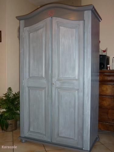 jolie petite armoire en pin relook e meuble d co. Black Bedroom Furniture Sets. Home Design Ideas