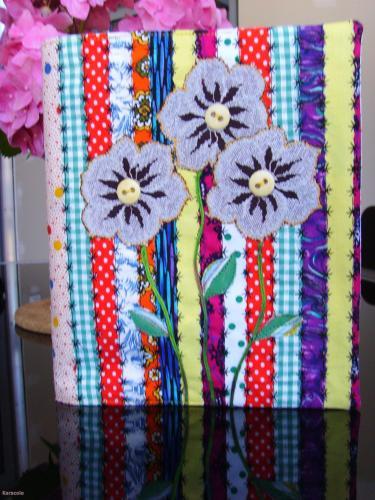 Couverture de cahier textile patchwork, tissu, appliqué, broderie couverture-de-cahier Couture & Art du fil