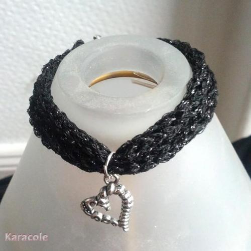 Bracelet au tricotin avec breloque en fil Lumina DMC noir tricotin, mécanique bracelet, bijou Mode, bijoux, accessoires