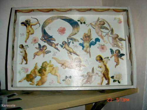 Plateau aux anges plateau d co bois serviettage peinture home deco modeling wood framing for Peinture bois deco