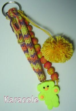Pendouille/grigri ours - 1 modelage, tricotin, pompon, perles  Jewelry, Fashion, Customisation