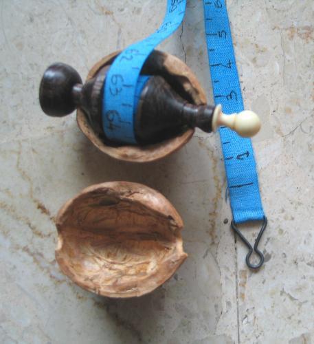 Mètre & noix domi 159